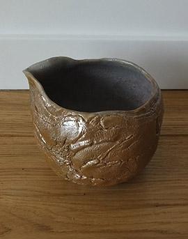 Miska wykonana z ceramiki