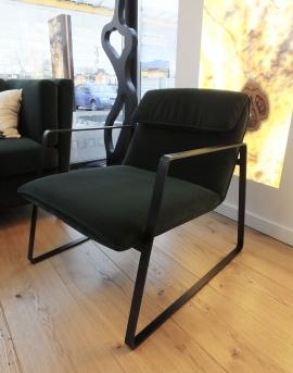 Fotel na płozach czarnych